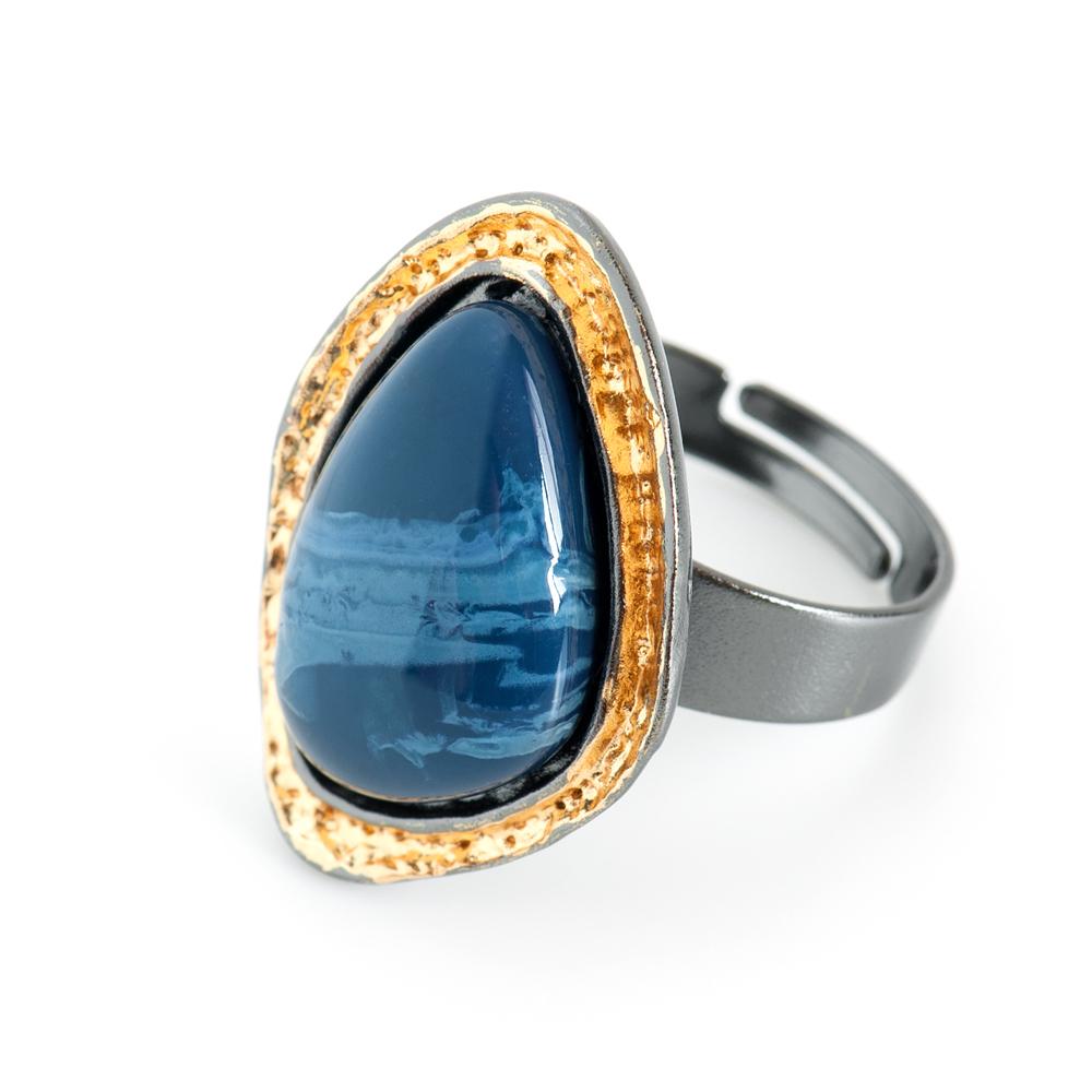 Кольцо Selena Valencia, цвет: золотистый, синий, черный. 6002522060025220Ювелирная смола, латунь. Гальваническое покрытие: черненый родий, золото., размер кольца регулируется