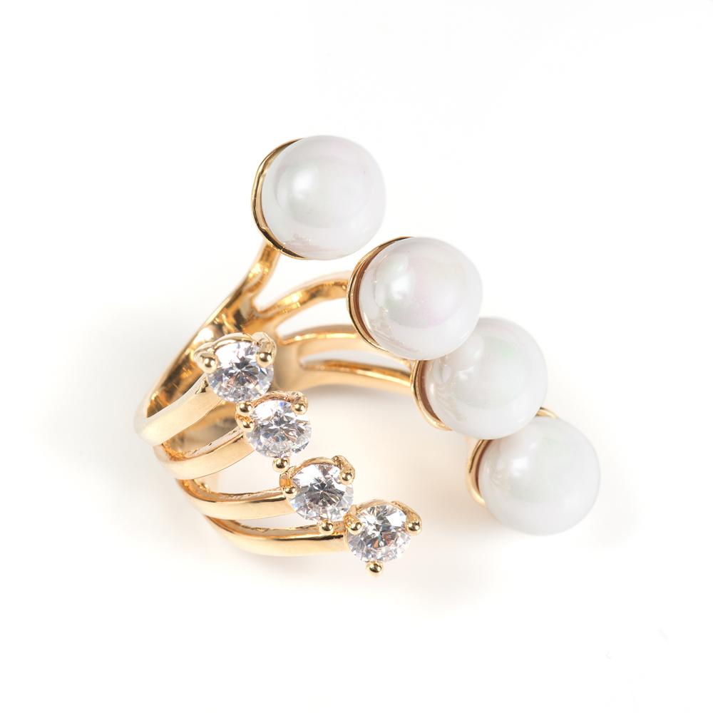 Кольцо Selena Audrey, цвет: белый, золотистый. 6002531060025310Натуральный перламутр, кристаллы Preciosa, латунь. Гальваническое покрытие: золото., размер кольца регулируется