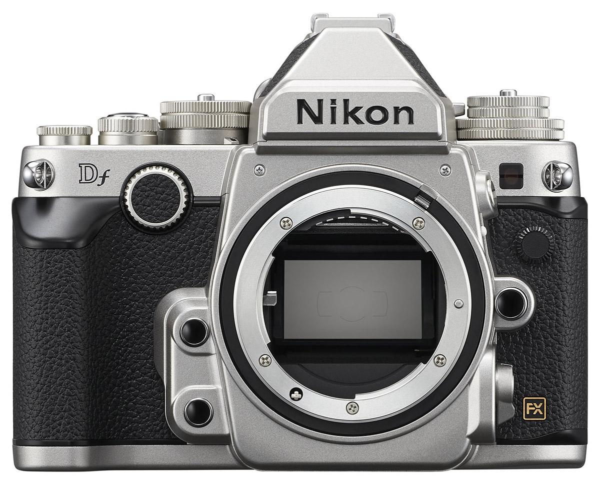 Nikon Df Body, Silver цифровая зеркальная камераVBA381AEМощная фотокамера Nikon Df имеет корпус в стиле ретро и ту же матрицу формата FX с разрешением 16,2 мегапикселя, которая используется в ведущей фотокамере линейки Nikon, D4. Эта фотокамера пробуждает интерес к фотосъемке как внешним видом, так и функциональными возможностями. Благодаря значениям чувствительности от 100 до 12 800 единиц ISO, которые можно увеличить до эквивалента 204 800 единиц, фотокамера Df позволяет получить изображения с высокой детализацией и минимальным уровнем шума даже при съемке в условиях недостаточного освещения. Время включения составляет приблизительно 0,14 с, а задержка срабатывания затвора - 0,052 с. Возможна высокоскоростная непрерывная съемка в форматах FX и DX со скоростью до 5,5 кадра в секунду. Быстрый и мощный процессор для обработки изображений EXPEED 3 от Nikon обеспечивает чрезвычайную четкость изображений с превосходным воспроизведением цвета и великолепными переходами тонов даже при съемке с использованием...