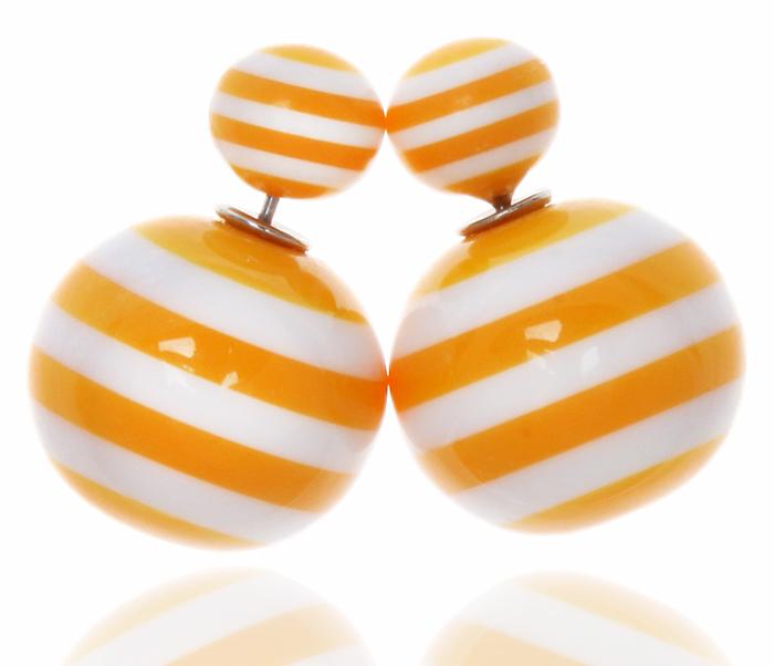 Серьги-шары Амели. Бусины желтого и белого цвета, бижутерный сплав серебряного тона. Arrina, Гонконг20089660Двухсторонние серьги-шары Амели. Бусины желтого и белого цвета, бижутерный сплав серебряного тона. Arrina, Гонконг. Размер - диаметр 1,5 см. Серьги-шары - самый модный тренд в этом сезоне!