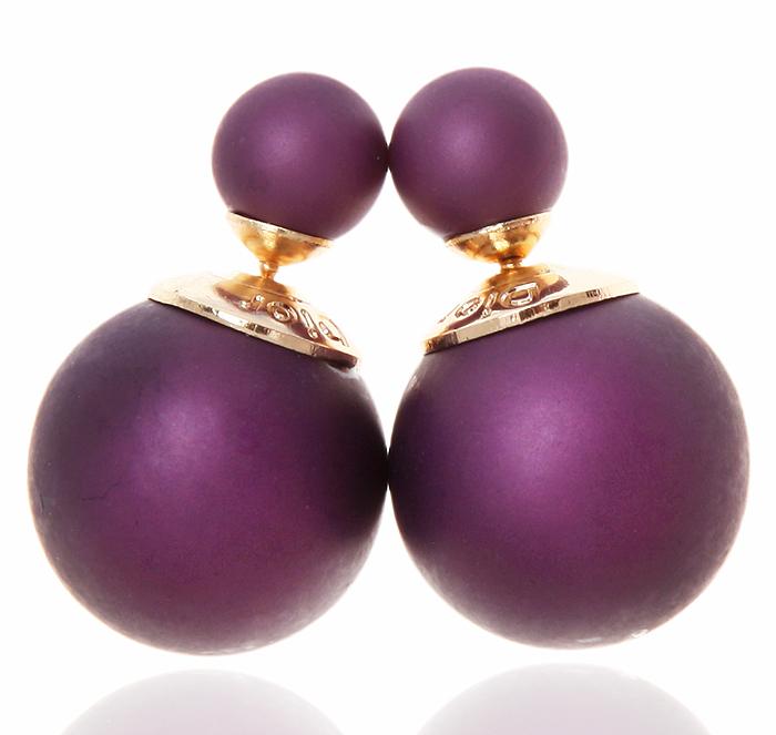 Серьги-шары Офелия. Бусины фиолетового цвета, бижутерный сплав золотого тона. Arrina, ГонконгКСС1Двухсторонние серьги-шары Офелия. Бусины фиолетового цвета, бижутерный сплав золотого тона. Arrina, Гонконг. Размер - диаметр 1,5 см. Серьги-шары - самый модный тренд в этом сезоне!
