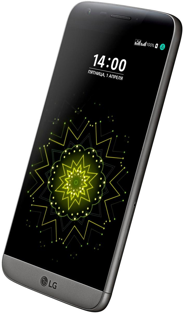 LG G5 SE H845, TitanLGH845.ACISTNLG G5 SE H845 - стильный инновационный смартфон с модульным дизайном. Тонкий металлизированный корпус смотрится гармонично и элегантно, а выдвижной аккумулятор значительно расширяет функциональность данной модели. Благодаря разработанному LG инновационному модульному дизайну теперь можно не только за считанные секунды заменить севший аккумулятор на новый, но и превратить LG G5 в цифровую камеру или Hi-Fi плеер. Широкоформатная камера C легкостью фотографируйте панорамные пейзажи, высокие здания или группы людей без необходимости отходить на большее расстояние от объекта съемки. Невероятные настройки зуммирования Сочетание стандартной и широкоформатной камер позволяет не только быстро переключать режим съемки, но и масштабировать изображение. Режим дневного света Специальный режим дневного света автоматически замеряет параметры освещенности и мгновенно увеличивает или уменьшает яркость дисплея еще до того...