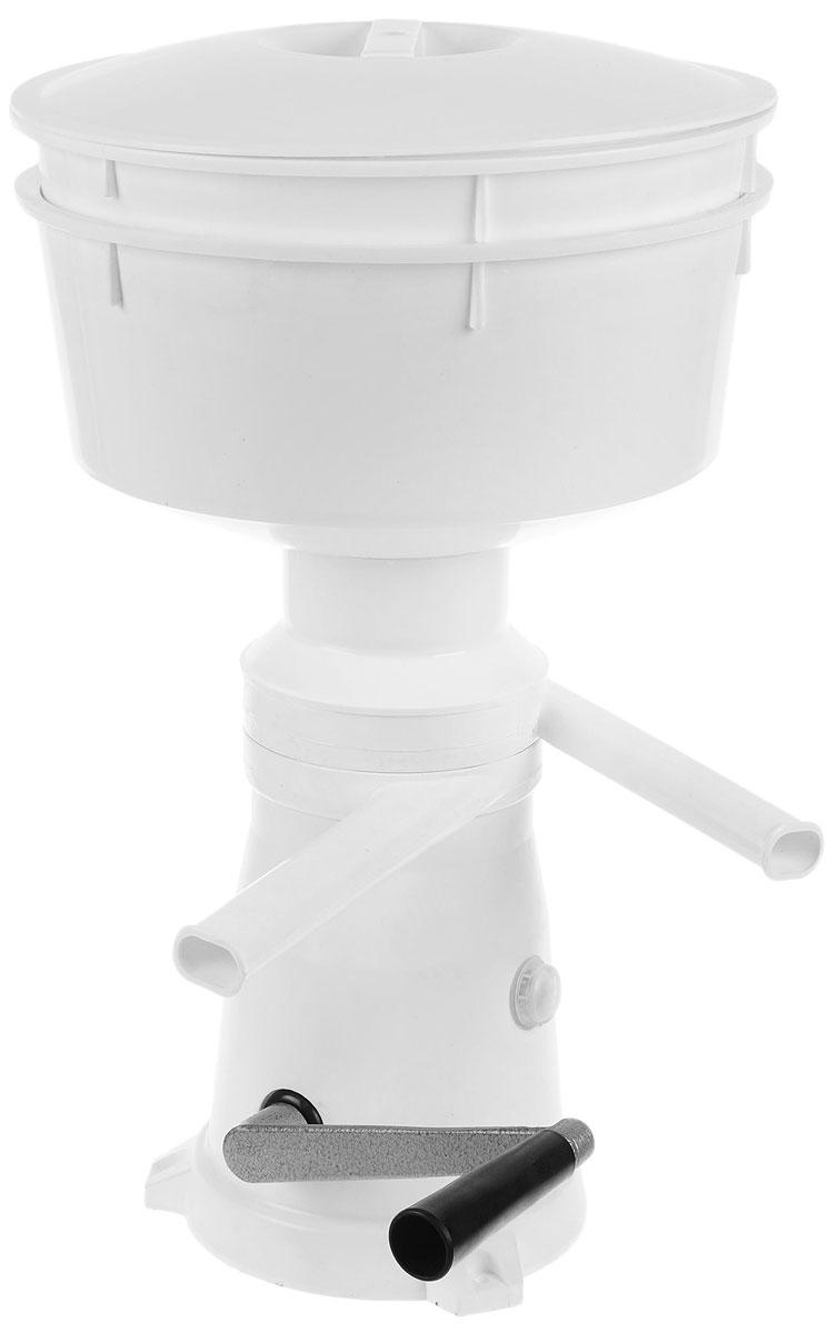 Салют РЗ-ОПС-М (СП15000000000) сепаратор молокаРЗ-ОПС-М (СП15000000000)Сепаратор-маслобойка Салют РЗ-ОПС-М с ручным приводом разделяет цельное молоко на сливки и обезжиренное молоко (обрат) с одновременной очисткой от загрязнений, оставшихся после процеживания молока. Также используется для приготовления масла из созревших сливок или сметаны, коктейлей, майонеза, размешивания жидкого теста в домашних условиях. Сепаратор: Производительность: не менее 50 дм3/ч Частота вращения барабана: 10000 об/мин Емкость приемника молока: 5,5 дм3 Содержание жира в обрате: не более 0,05% Регулировка объемных соотношений сливок к обрату: от 1:4 до 1:10 Маслобойка Продолжительность сбивания сливок 6-15 мин Приготовления майонеза, коктейлей 6-8 мин Размешивания жидкого теста 2-3 мин Частота вращения активатора: 900-1000 об/мин Жирность пахты: не более 0,8%