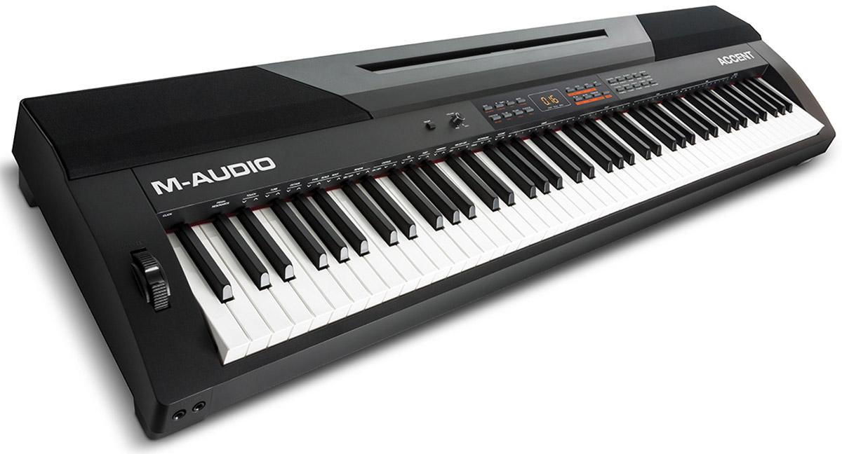 M-Audio Accent цифровое фортепианоM-Audio AccentM-Audio Accent - портативное полнофункциональное цифровое пианино с 88 клавишами, 20 встроенными тембрами фортепиано и 50 стилями аккомпанемента. Благодаря 50 стилям аккомпанемента, любой музыкант сможет подобрать идеальный стиль для своего исполнения. А профессионального качества разъемы с бесшумным подключением предоставляют высочайшего качества передачу сигнала. Accent подключается к любому компьютеру через USB-MIDI порт для управления виртуальными инструментами и плагинами. Это превосходное цифровое пианино имеет все необходимое: профессиональные XLR разъемы, превосходные звуки, включая AIR Steinway сэмплы, полноразмерную 88- клавишную клавиатуру с молоточковой механикой и управление виртуальными инструментами. M-Audio Accent дает возможность возможность играть с 60 предустановленными песнями или записывать свои собственные в режиме записи. Имеются также дополнительные функции: контроль транспонирования, встроенный метроном, 1/4 дополнительный...