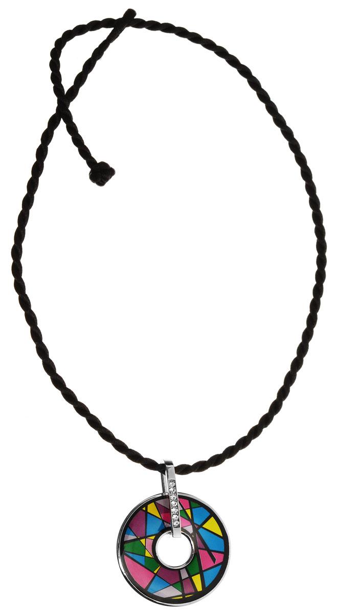 Колье Art-Silver, цвет: черный, серебряный, мультицвет. ФКЛ205-370ФКЛ205-370Оригинальное колье Art-Silver изготовлено из бижутерийного сплава и шелка. Изделие выполнено в виде витого шелкового шнура с подвеской, которая инкрустирована цирконами и оформлена вставкой из эмали. Колье застегивается на замок-петлю. В комплекте с украшением поставляется мешочек для хранения с фирменной символикой. Колье Art-Silver поможет дополнить любой образ и привнести в него завершающий штрих.