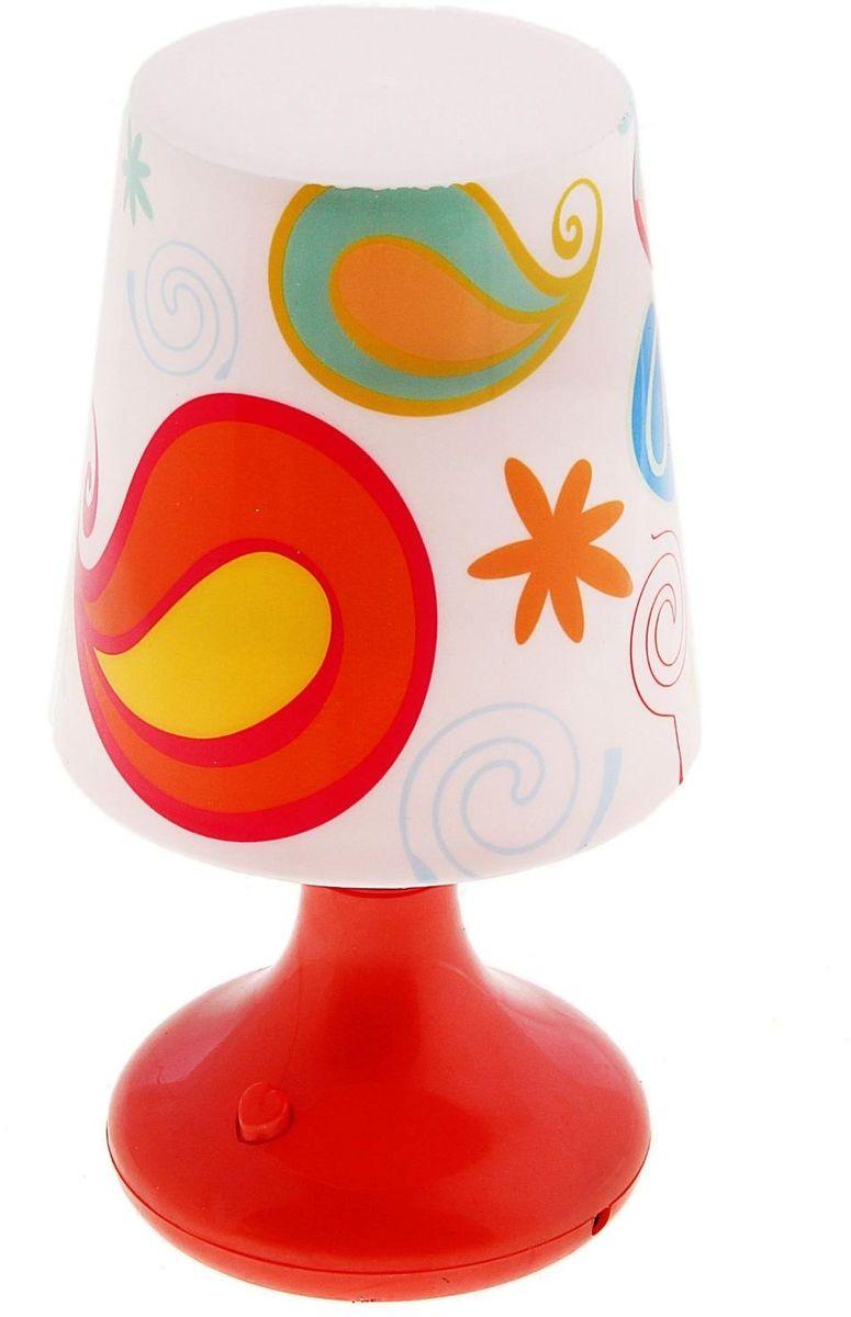 Лампа настольная Веселые узоры красная110813Детям веселей, когда их окружают яркие вещицы. Поэтому стоит продумать даже то, как будет выглядеть дополнительный источник света в комнате вашего малыша. Чаще всего подобные светильники ставят на прикроватную тумбочку или письменный стол, чтобы в комнате не оставалось неосвещённого пространства. Чтобы не оставлять своего маленького шалуна в полной темноте, просто «зажгите» светильник детский белый, с ним будет спокойней и вам и ребёнку. *Размещайте провода и другие, не предназначенные для детских ручек детали, таким образом, чтобы ваш шалун до них не дотянулся.