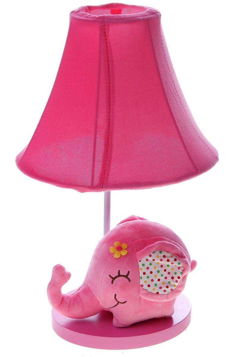 Лампа настольная Плюшевый слоненок розовый906529Детям веселей, когда их окружают яркие вещицы. Поэтому стоит продумать даже то, как будет выглядеть дополнительный источник света в комнате вашего малыша. Чаще всего подобные светильники ставят на прикроватную тумбочку или письменный стол, чтобы в комнате не оставалось неосвещённого пространства. Чтобы не оставлять своего маленького шалуна в полной темноте, просто «зажгите» светильник детский белый, с ним будет спокойней и вам и ребёнку. *Размещайте провода и другие, не предназначенные для детских ручек детали, таким образом, чтобы ваш шалун до них не дотянулся.