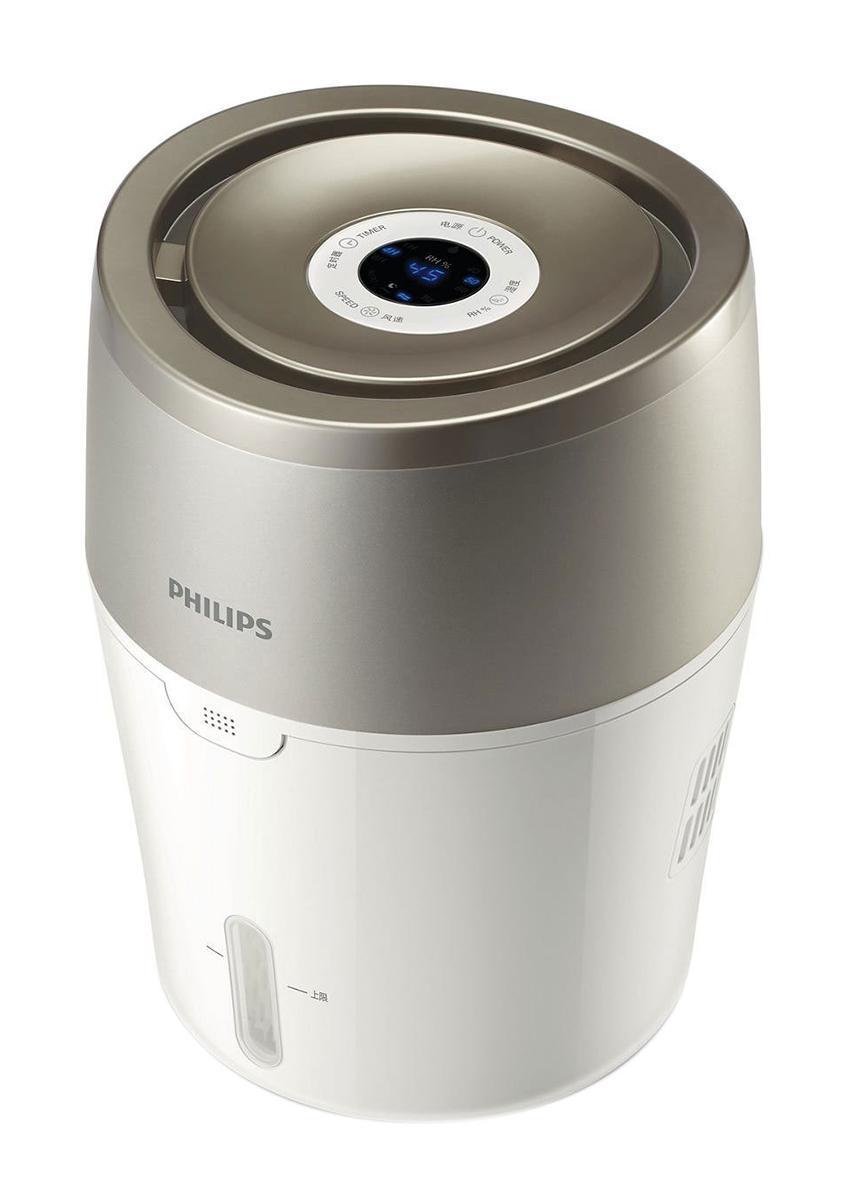 Philips HU4803/01 увлажнитель воздухаHU4803/01Современная технология холодного испарения и автоматический режим работы. Увлажнитель воздуха Philips максимально эффективно и безопасно борется с сухостью воздуха. При использовании увлажнителя Philips в выходящем из прибора воздухе на 99,9% меньше бактерий, чем при использовании ультразвукового увлажнителя. Отсутствие белого налета и влажных поверхностей. Подходит для использования в спальне и детской комнате. Технология холодного испарения NanoCloud: Этот увлажнитель воздуха от Philips с технологией NanoCloud оснащен современной системой холодного испарения и действует в три этапа: 1) сухой воздух поступает в увлажнитель, где крупные загрязнения, пыль и шерсть животных оседают на поглощающем фильтре 2) при помощи технологии холодного испарения NanoCloud происходит насыщение воздуха молекулами воды. Эта технология препятствует распространению в воздухе бактерий и появлению белой пыли 3) чистый увлажненный воздух подается в помещение и...