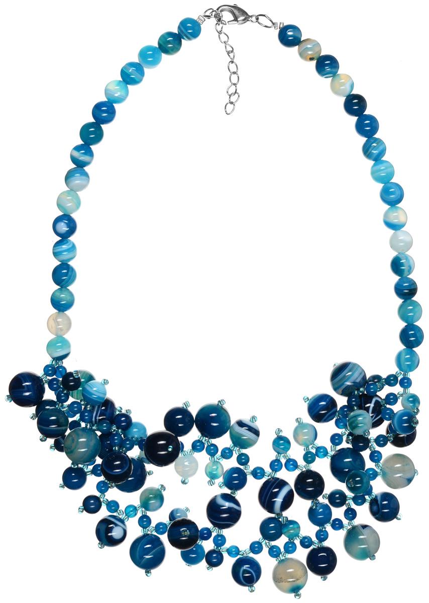 Бусы Art-Silver, цвет: белый, голубой, темно-синий. СМЦ18-2-956СМЦ18-2-956Стильные бусы Art-Silver из разноцветного агата не оставят равнодушной ни одну любительницу изысканных и необычных украшений. Бусы представляют собой основу из прочной, раздваивающейся к середине нити, на которую нанизаны бусины агата и бисер. Бусины имеют круглую форму и различны по размеру. В дополнении с бисером бусины агата образуют оригинальное плетение, что придает индивидуальность изделию. Изделие застегивается на практичный замок-карабин, длина регулируется за счет дополнительных звеньев в цепочке. Такие бусы позволят вам с легкостью воплотить самую смелую фантазию и создать собственный неповторимый образ.