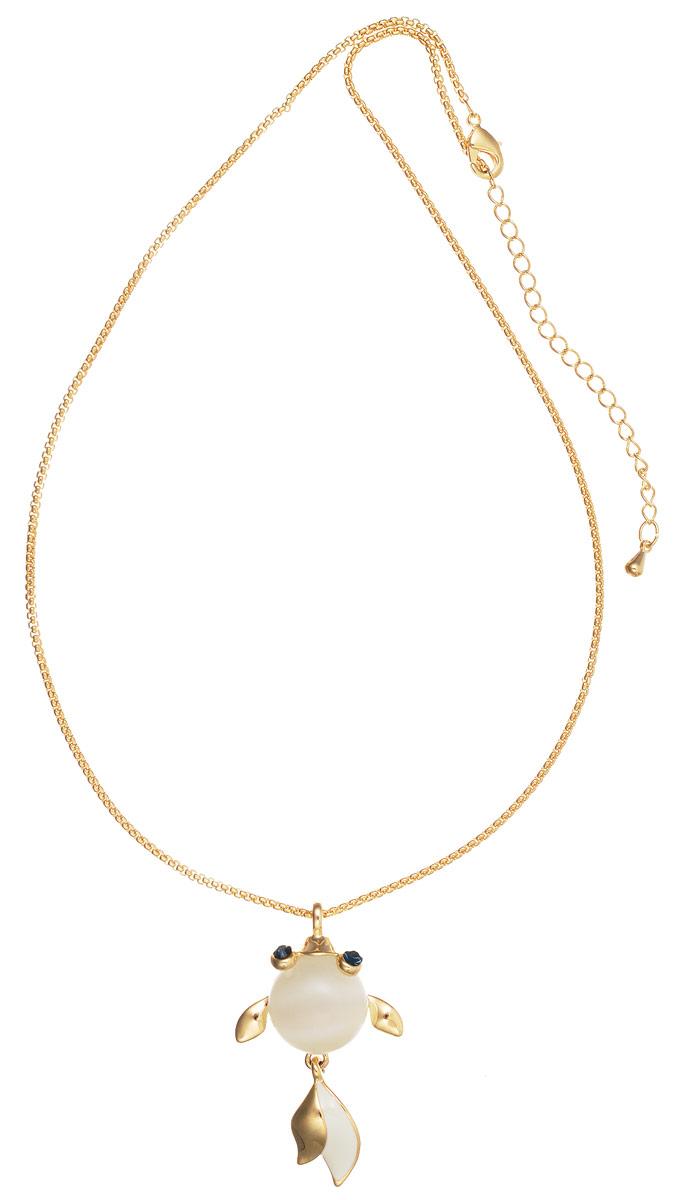 Колье Art-Silver, цвет: золотой, белый, синий. E16484-G-608E16484-G-608Стильное колье Art-Silver выполнено из бижутерного сплава с покрытием под золото. Колье представляет собой цепочку оригинального плетения, которая дополнена подвеской в виде рыбки. Подвеска выполнена из кошачьего глаза, дополнена элементами из металла, покрытыми эмалью и инкрустирована кубическим цирконием. Изделие застегивается на замок-карабин с регулирующей длину цепочкой. Стильное колье станет оригинальным аксессуаром, как для повседневного, так и для вечернего наряда, оно подчеркнет вашу индивидуальность и неповторимый стиль.