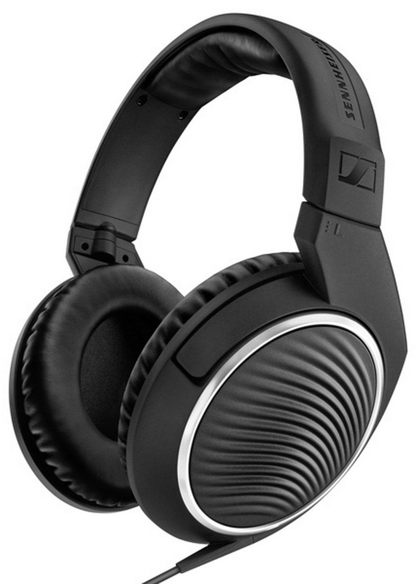 Sennheiser HD 471G, Black наушники506776Поразительно эстетичные с непревзойдённым качеством звука наушники HD 471 гарантируют удовольствие от прослушивания дома или в движении. Высокотехнологичные инновационные преобразователи генерируют естественный детальный звук, в то время как охватывающие амбушюры и закрытый акустический тип обеспечивают максимальный комфорт и защиту от окружающего шума. С помощью интегрированного в кабель пульта управления с микрофоном можно отвечать на звонки, переключать треки и изменять уровень громкости при использовании со смартфонами. Включённый в комплект поставки дополнительный кабель длиной 3 м и адаптер 3,5 х 6,3 мм позволят подключить наушники к домашней HiFi системе.
