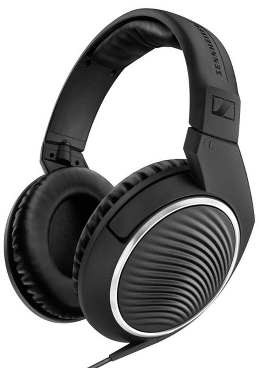 Sennheiser HD 471i, Black наушники506777Поразительно эстетичные с непревзойдённым качеством звука наушники HD 471 гарантируют удовольствие от прослушивания дома или в движении. Высокотехнологичные инновационные преобразователи генерируют естественный детальный звук, в то время как охватывающие амбушюры и закрытый акустический тип обеспечивают максимальный комфорт и защиту от окружающего шума. С помощью интегрированного в кабель пульта управления с микрофоном можно отвечать на звонки, переключать треки и изменять уровень громкости при использовании со смартфонами. Включённый в комплект поставки дополнительный кабель длиной 3 м и адаптер 3,5 х 6,3 мм позволят подключить наушники к домашней HiFi системе.