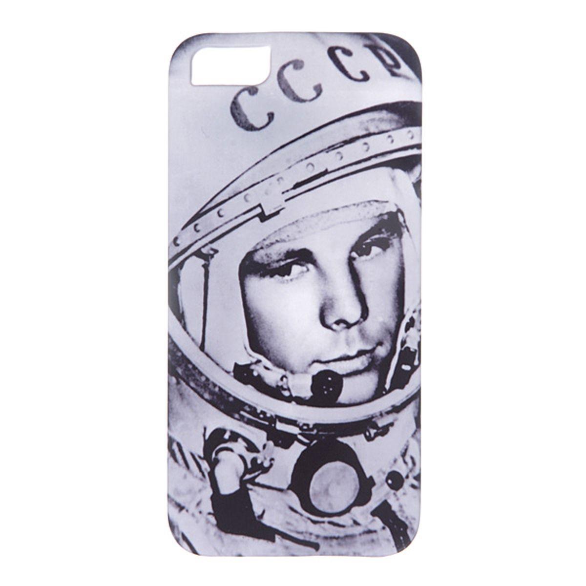 Mitya Veselkov Гагарин чехол для Apple iPhone 5/5sIP5.МITYA-016Превосходный чехол Mitya Veselkov Гагарин создан для любителей заметных аксессуаров. Накладка придаст вашему телефону индивидуальность и послужит прекрасной защитой от ударов и царапин. Чехол также обеспечивает свободный доступ ко всем разъемам и клавишам устройства.