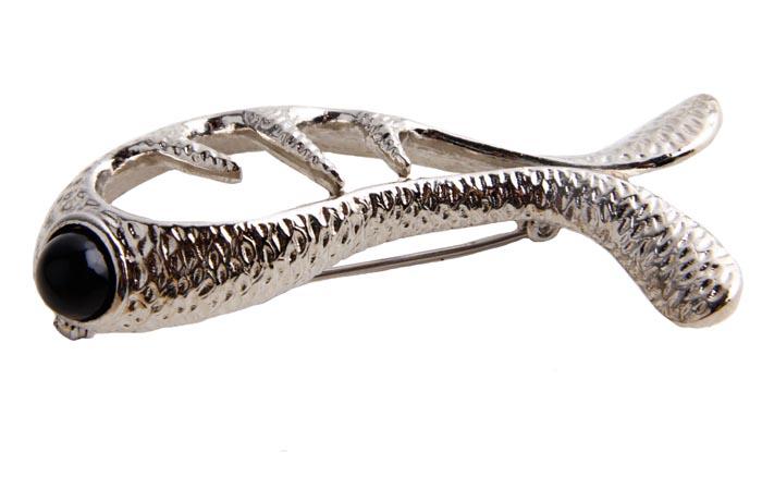 Брошь Рыба от Sphinx. Бижутерный сплав, композитный материал. Sphinx, Великобритания, конец ХХ векаОС27421Брошь Рыба от Sphinx. Бижутерный сплав, композитный материал. Sphinx, Великобритания, конец ХХ века. Размер 4,5 х 4 см. Сохранность хорошая. Предмет не был в использовании. Клеймо Sphinx в овальном картуше на изнаночной стороне броши. Уникальная коллекционная вещь. Брошь выполнена из высококачественного бижутерного сплава. Чудесная брошь как в подарок, так и для дополнения своего собственного образа.
