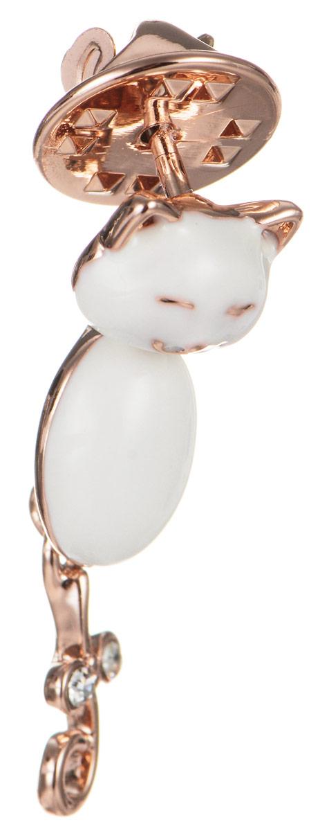 Брошь Art-Silver, цвет: золотистый, белый. 011421-001-302011421-001-302Эффектная брошь Art-Silver, выполнена в виде очаровательного кота из бижутерного сплава с эмалиевым покрытием и оформлена стразами. Брошь крепится с помощью иголки с замочком. Такая брошь позволит вам с легкостью воплотить самую смелую фантазию и создать собственный, неповторимый образ.