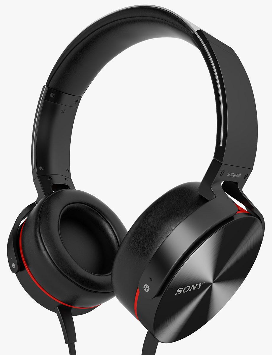 Sony Extra Bass MDR-XB950AP, Black наушникиMDRXB950APB.EМощные басы, совместимость со смартфонами Слушайте музыку во всех деталях. Мощные неодимовые 40-мм мембраны в плотно сидящих наушниках обеспечивают глубокое, сбалансированное звучание даже на большой громкости. Принимайте звонки в любой момент с помощью встроенного пульта и микрофона. Герметичный звук Передовая система прямой вибрации создает акустически герметичное пространство вокруг ушей, не выпуская низкие частоты. Низкочастотный звук усиливается функцией Bass Booster, и звучание получается глубоким и сбалансированным. Дайте выход музыке Управление диапазоном воспроизводимых частот возможно благодаря применению фигурных вентиляционных отверстий. Они оптимизированы для прохождения воздушного потока, создаваемого низкими частотами, в результате чего басы воспроизводятся без искажений. Раскачайте музыку Большой 40-мм динамик с высокомощным неодимовым магнитом идеально балансирует мощь и точность воспроизведения - от яростных ударных...