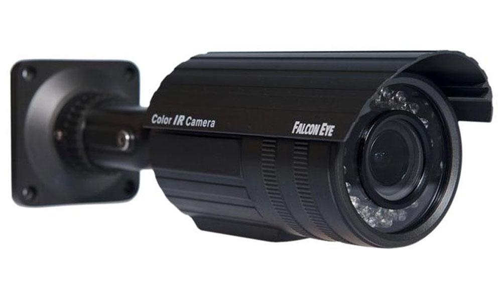 Falcon Eye FE IS80C/30M камера видеонаблюденияFE IS80С/30MFalcon Eye FE IS80C/30M - камера высокого разрешения. Используется для установки и на улице, и в помещениях. Оснащена защитой корпуса IP-66, что делает устройство устойчивым к воздействию пыли и влаги. Устройство имеет вариофокальный объектив с фокусным расстоянием f=2.8-12, что облегчает настройку нужного ракурса. Также есть автоматический баланс белого. С помощью инфракрасной подсветки, видео снимается даже при полном отсутствии освещения. Дистанция ИК-подсветки составляет 30 метров. Разерешение видео: 976x582 Отношение сигнал/шум: 47 дБ