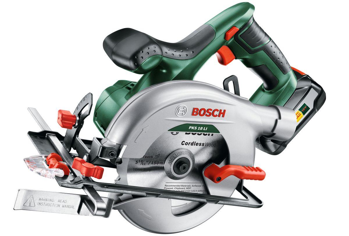 Циркулярная пила Bosch PKS 18 Li, 1 аккумулятор06033B1302Аккумуляторная дисковая пила PKS 18 LI от Bosch выгодно отличается исключительно простым обращением. Это стало возможным благодаря компактной конструкции и эргономичному дизайну. Таким образом, пользователь может полностью сосредоточиться на процессе пиления и точном соблюдении линии реза. Проверенная система CutControl от Bosch поможет домашнему мастеру точно вести пилу вдоль обозначенной линии реза под углом 90° или 45°. Кроме того, PKS 18 LI обеспечивает быструю и комфортную настройку глубины пропила и угла скоса в диапазоне до 45°. Дополнительно интеллектуальная система Syneon Chip обеспечивает оптимальное взаимодействие литий-ионного аккумулятора, высокопроизводительного двигателя и надежного редуктора. Аккумуляторная ручная дисковая пила PKS 18 LI от Bosch, прежде всего, предназначена для пильных работ средней сложности, таких как торцевание плинтусных реек, ламината и деревянных брусьев, а также раскрой щитового материала для кровельных и отделочных работ. Максимальный...
