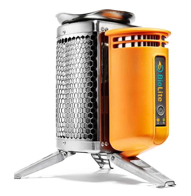 BioLite CampStove туристическая печь-зарядка115593BioLite CampStove - туристическая печь-зарядка, на которой Вы сможете приготовить пищу на собранных по пути ветках, что устраняет необходимость в тяжелом, дорогом и загрязняющем окружающую среду керосине. Печь легко разжечь и вымыть, на ней можно быстро вскипятить воду. Пока Вы готовите пищу, BioLite CampStove подзарядит телефоны, фонарики и другие приборы за счет преобразования тепла в полезное электричество.Можно сидеть у печи BioLite CampStove как у походного костра и наблюдать за танцующим пламенем, жаря что-нибудь на костре и рассказывая друзьям истории. Печь BioLite CampStove можно использовать не только в походах. Здорово, если она под рукой, когда во время грозы и прочих стихийных бедствий отключается электричество. Вы сможете готовить и заряжать электронные приборы, даже если линии электропередач отключены. Технические характеристики: Размер в сложенном состоянии: Высота 21 см Ширина 12.7 см Вес: 935 грамм Топливо: Органическая биомасса (ветки, листья,...