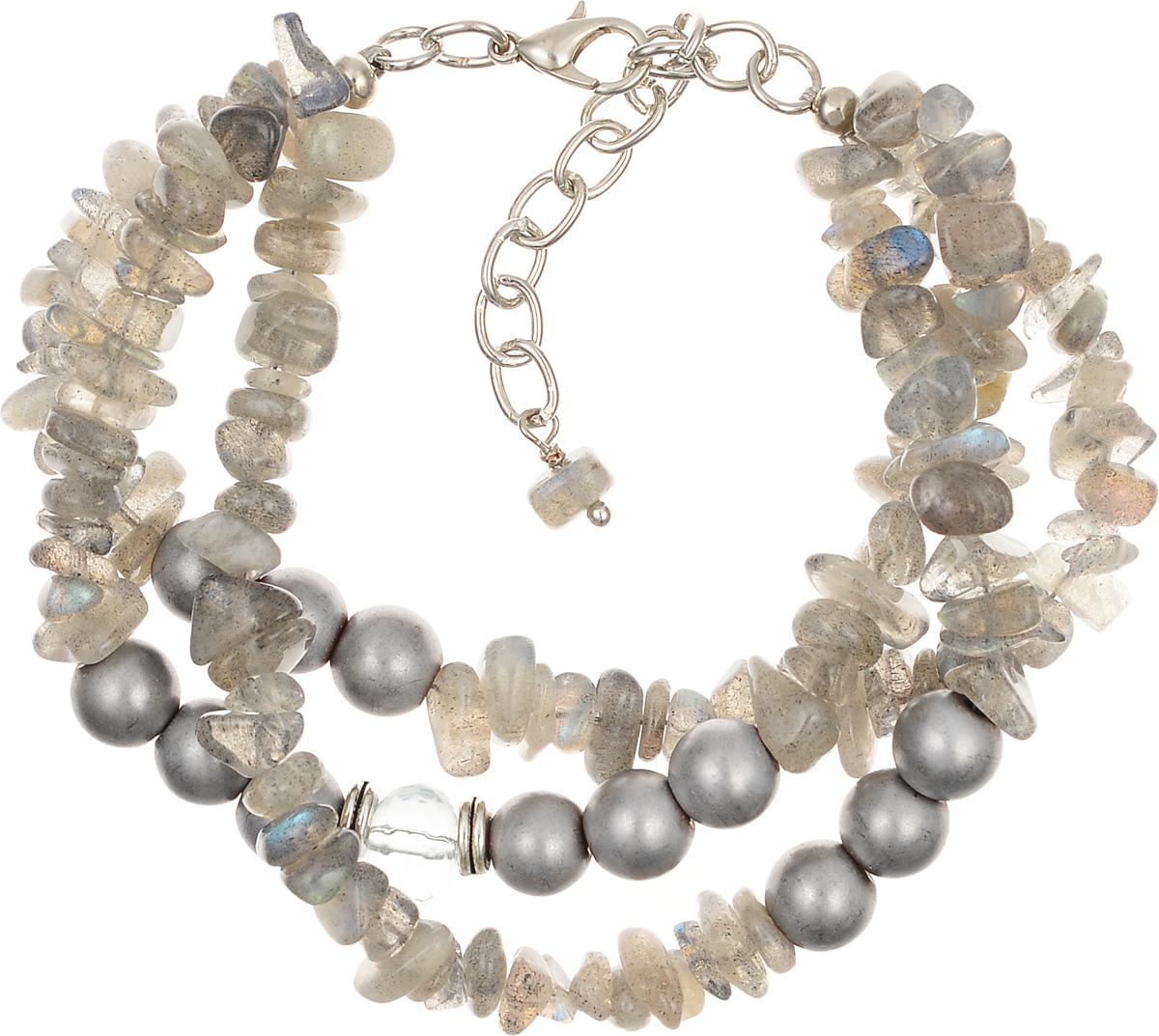 Браслет Polina Selezneva, цвет: серый, серебристый. 002-2595002-2595Элегантный браслет Polina Selezneva изготовлен из ювелирного сплава и натуральных камней. Лаконичные бусины из гематита и разнообразные по форме, переливающиеся кристаллы лабрадора прекрасно сочетаются межу собой. Изделие застегивается на замок-карабин, который надежно зафиксирует браслет на запястье. Обхват регулируется. Стильный браслет Polina Selezneva поможет дополнить любой образ и привнести в него завершающий яркий штрих.