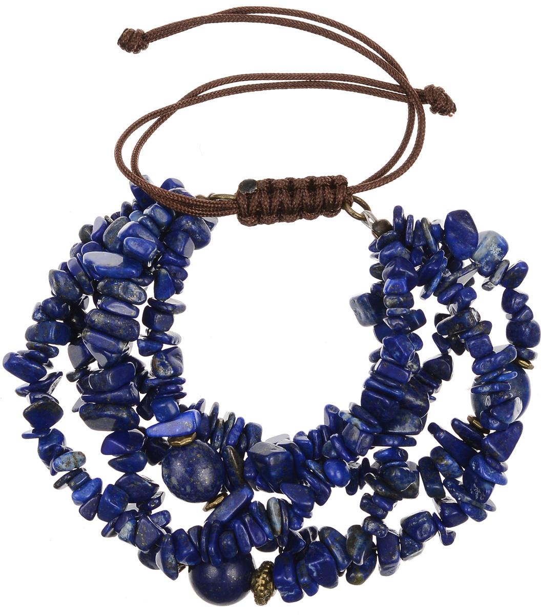 Браслет Polina Selezneva, цвет: синий. 002-2827002-2827Элегантный браслет Polina Selezneva изготовлен из текстиля и натурального камня. Оригинальные узоры лазурита прекрасно подчеркивают уникальность минерала. Благодаря текстильной основе браслет идеально разместится на запястье, скользящий замок позволит регулировать длину изделия. Стильный браслет Polina Selezneva поможет дополнить любой образ и привнести в него завершающий яркий штрих.