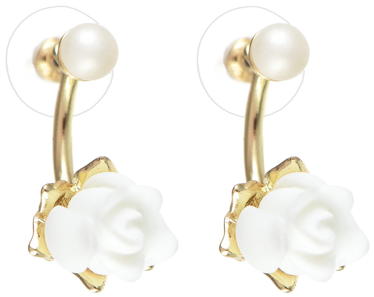 Серьги Selena Audrey, цвет: белый, золотистый. 2008966020089660Элегантные серьги Selena Audrey изготовлены из керамики, ювелирного сплава c гальваническим покрытием из золота и дополнены съемными подвесками. Изделие застегивается на замок-гвоздик с заглушками. Стильные серьги помогут дополнить любой образ и привнести в него завершающий яркий штрих.
