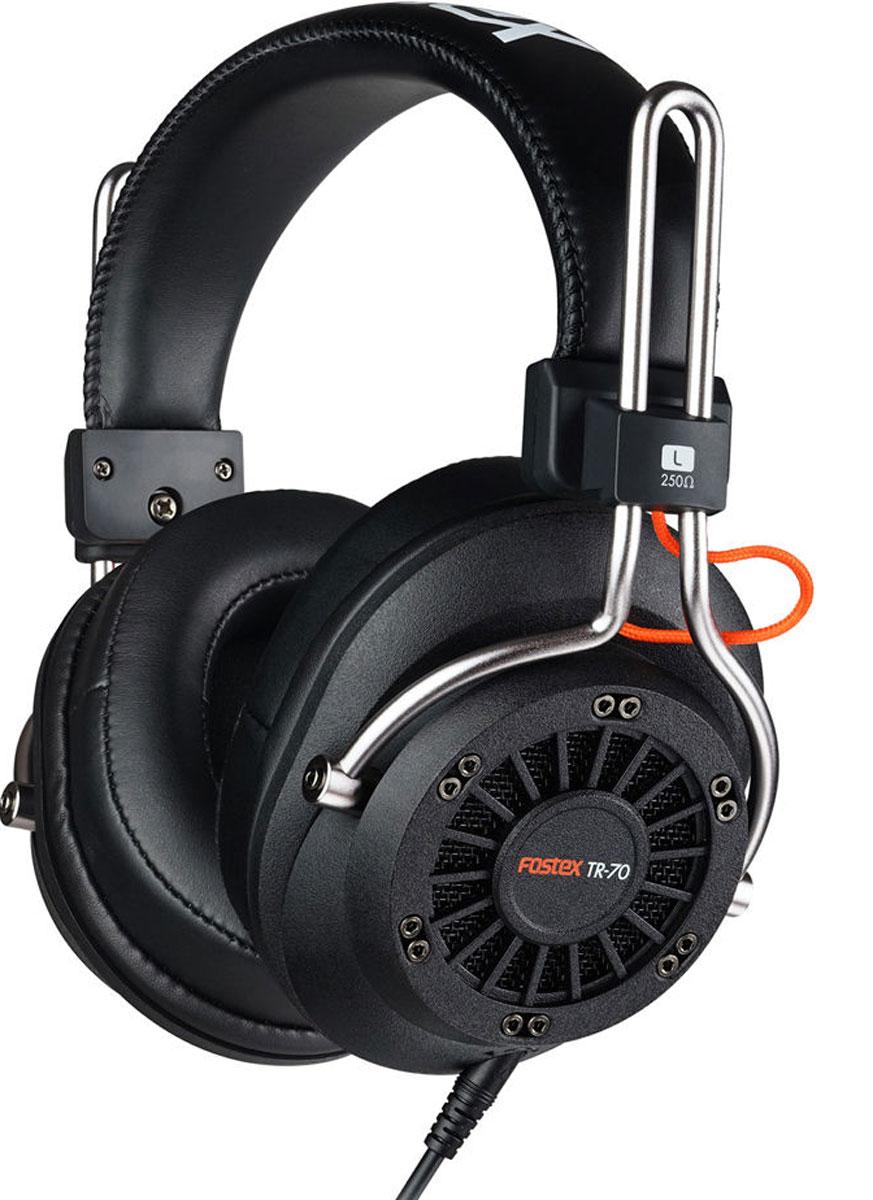 Fostex TR-70 (250 Ом) наушники4995090306278Fostex TR-70 – это усовершенствованные профессиональные динамические наушники из новой линейки. Модель имеет открытое акустическое оформление и обеспечивает звучание студийного уровня. Каждая пара наушников поставляется с двумя видами съёмных кабелей (витой и прямой), а также с двумя наборами амбушюр: стандартной толщины и утолщёнными. Конструкция наушников обеспечивает максимальный комфорт.