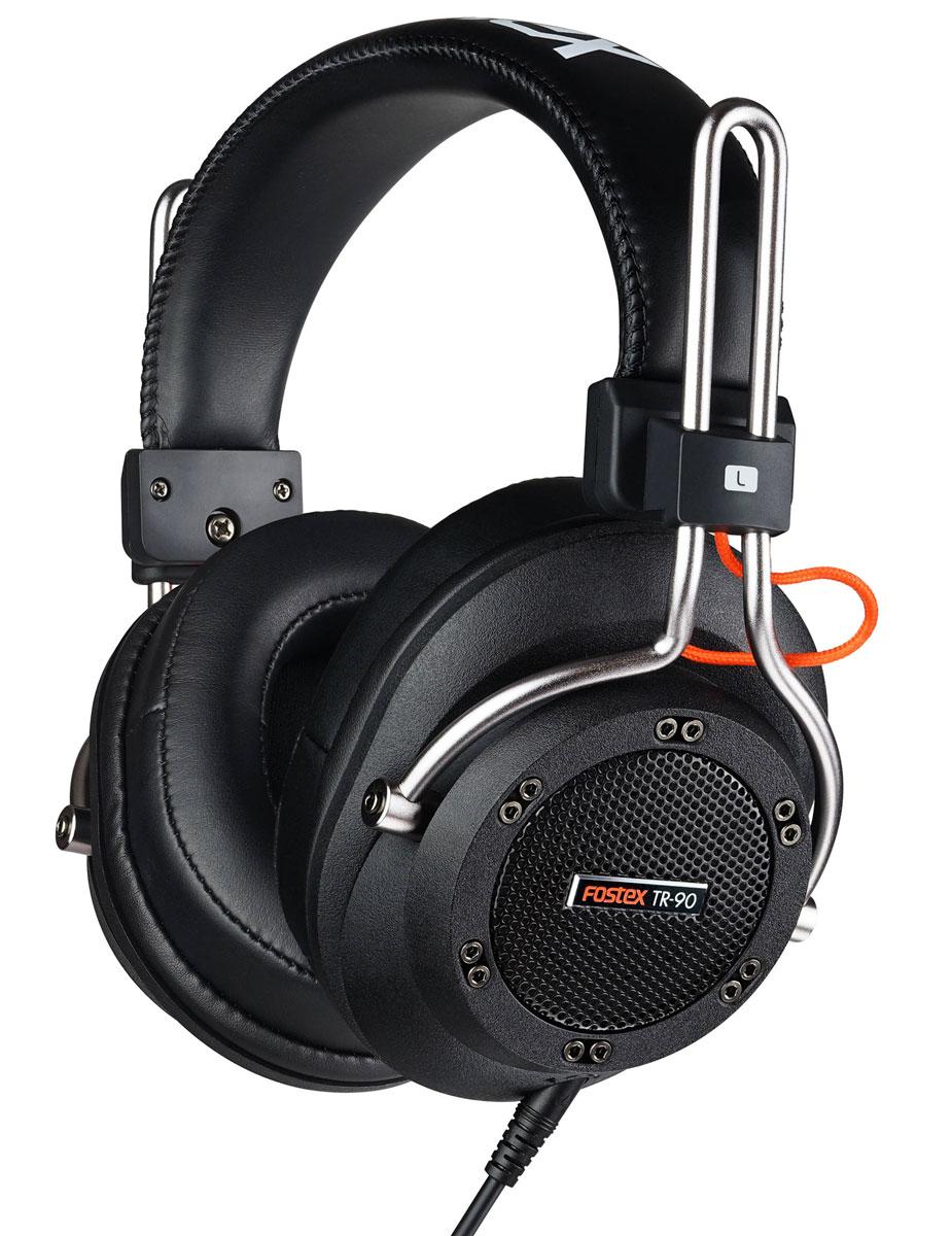 Fostex TR-90 (80 Ом) наушники4995090306322Fostex TR-90 - это усовершенствованные профессиональные динамические наушники из новой линейки. Модель имеет полуоткрытое акустическое оформление и обеспечивает звучание студийного уровня. TR-90 поставляется с двумя видами съёмных кабелей (витой и прямой), а также с двумя наборами амбушюр: стандартной толщины и утолщёнными. Конструкция наушников обеспечивает максимальный комфорт.