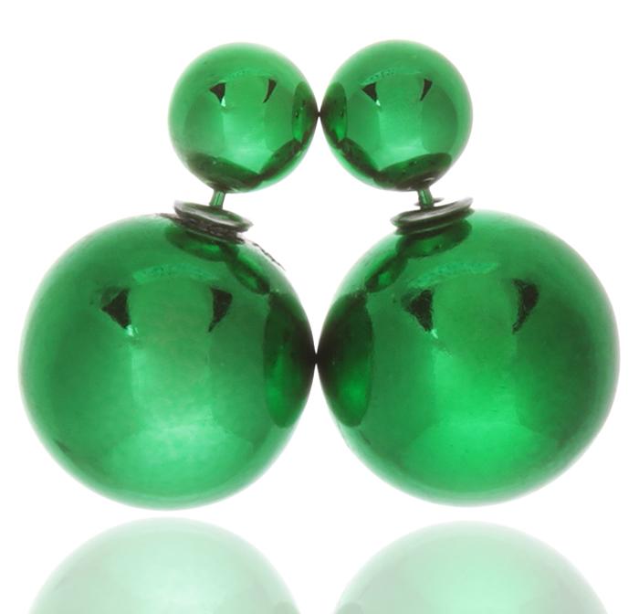 Серьги-шары Шарлиз. Бусины зеленого цвета, бижутерный сплав серебряного тона. Arrina, ГонконгPD518Двухсторонние серьги-шары Шарлиз. Бусины зеленого цвета, бижутерный сплав серебряного тона. Arrina, Гонконг. Размер - диаметр 1,5 см. Серьги-шары - самый модный тренд в этом сезоне!