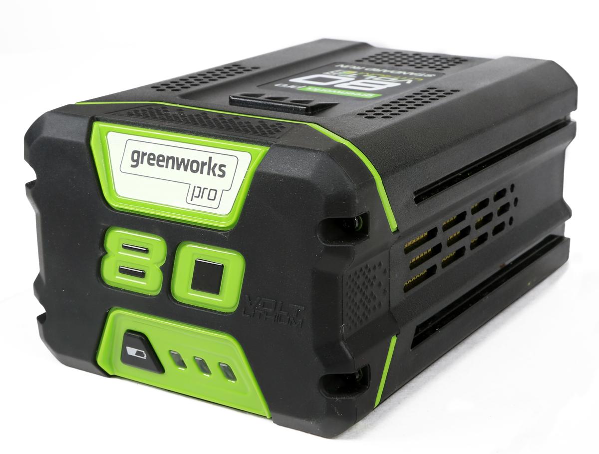 Литий-Ионная аккумуляторная батарея GreenWorks 80В 4Аh2902407Поворотная рукоять для работы под разными углами с 7-ю положениями.