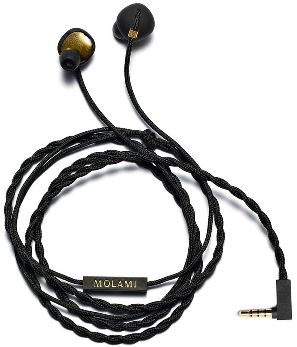 Molami Stitch, Black Gold наушники15118048Molami Stitch - это первоклассное звучание и стиль, которые соединились в компактных наушниках-вставках. Уникальная функциональная особенность квадратного силуэта c круглой вставкой позволяет Stitch комфортно располагаться в ваших ушах, пока вы наслаждаетесь любимой музыкой. Сочетание матового белого цвета и золотых деталей делает эту модель оригинальным стильным аксессуаром, который идеально дополняет коллекцию Molami. Особенности: Современный утонченный дизайн Мощный звук при минимальных искажениях Сменные амбушюры Функция гарнитуры
