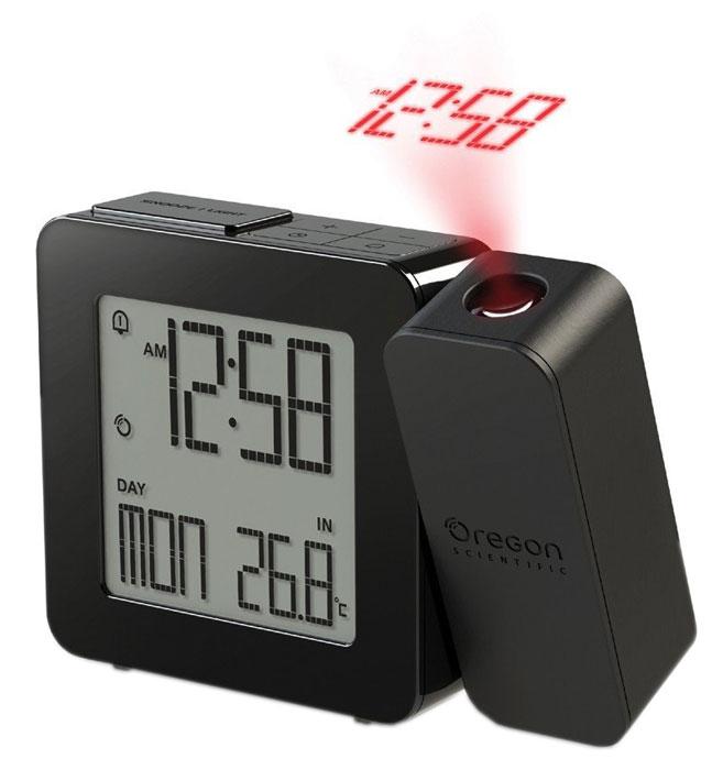 Oregon Scientific RM338-P, Black часы проекционныеRM338P-bПроекционные часы Oregon Scientific RM338-P с термометром. Сохраняя баланс между привлекательной ценой и достойным качеством, компания Oregon Scientific реализовала проекционные часы с термометром – RM338-P. Устройство специально для тех, кто не желает оставаться заурядным, а напротив – любит стиль и оригинальность. Вы никогда не забудете узнать температуру, погоду или время. При пробуждении, лежа на кровати, удобную подачу информации создаст проекция, которая отобразит данные на любой поверхности. А проснувшись ночью, можно узнать время не поднимая головы с подушки. Поворот проектора предполагает возможность изменения угла проецирования на 180 градусов. Эта функция даст возможность увидеть время в виде светящихся цифр или иконок с погодой на стене или потолке. Фокусное расстояние: 1,5 м - 2 м (фиксированное) Радиоконтролируемые часы Двойной будильник Питание от сети 220В через адаптер, или 2 батареек типа ААА