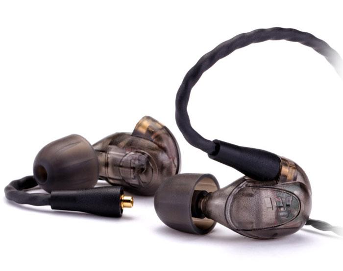Westone UM PRO20, Smoke наушники15118157Westone UM Pro 20 — профессиональный инструмент, вобравший в себя целый набор качественных характеристик, которые обеспечат великолепное живое выступление в условиях сцены, а также подарят долгие часы прослушивания любимых композиций в любой другой обстановке. Собираемая вручную в Колорадо Спрингс, модель отличается наличием двух драйверов на каждый канал, по одному — для высоких и низких частот, а также гарантирует исключительную и удобную посадку благодаря особому заушному креплению кабеля.