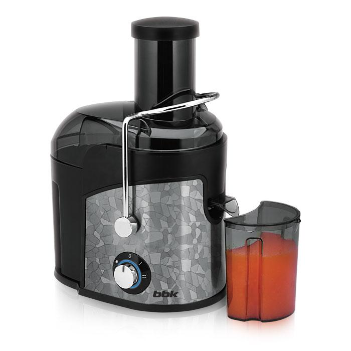 BBK JC080-H03, Black Metallic соковыжималкаJC080-H03 ч/мСоковыжималка BBK JC080-H03 – залог здоровья и красоты. Номинальная мощность устройства достаточно высока – 800 Вт. Удобная загрузочная горловина имеет ширину 75 мм и легко пропускает целые яблоки, крупные овощи и фрукты. Фильтр-сепаратор с лезвиями изготовлен из высококачественной стали. Функция антикапля обеспечит порядок на кухне: сливной носик предотвращает капанье на рабочую поверхность. LED-подсветка придает внешнему виду прибора оригинальность.