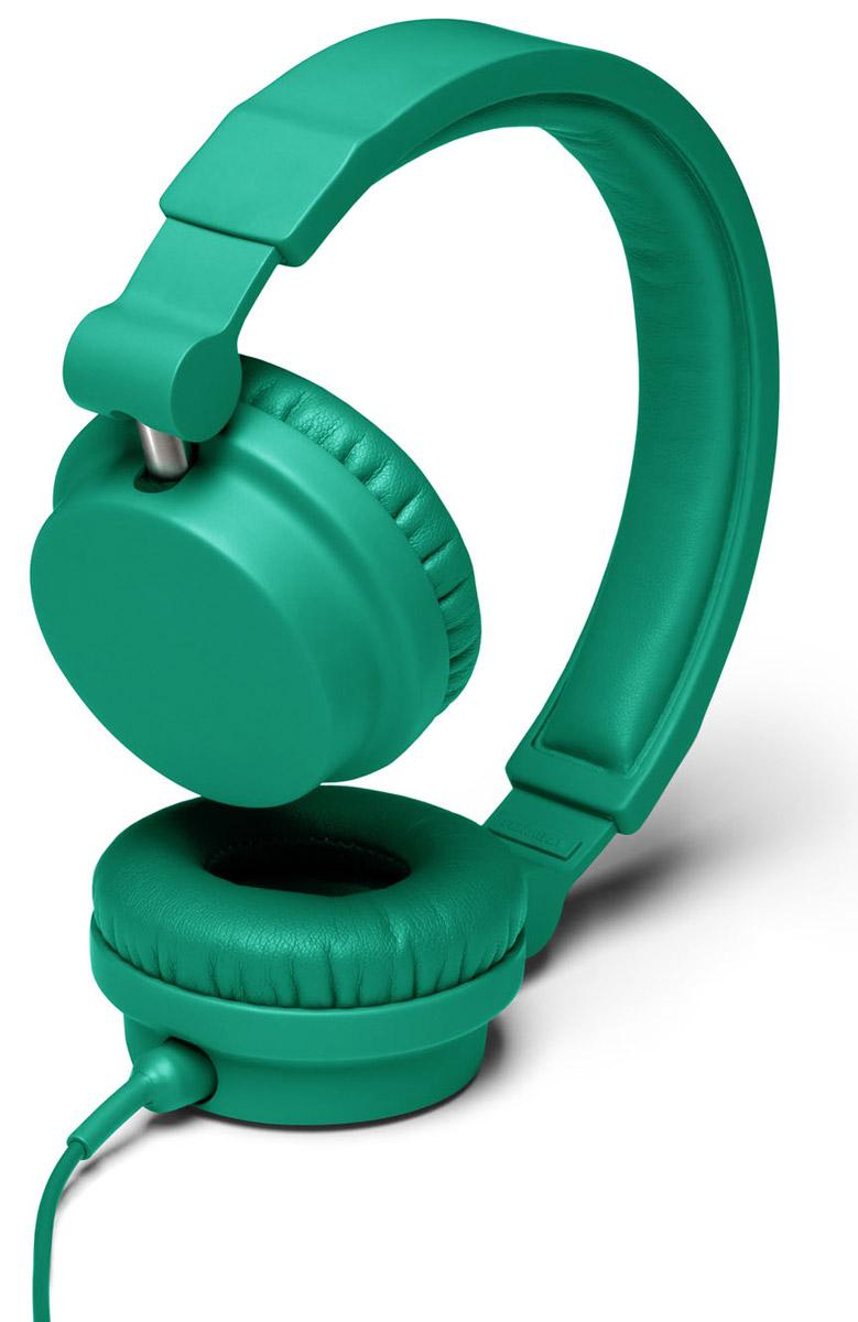 Urbanears Zinken, Mint наушники15117258Urbanears Zinken - это экстраординарные наушники для диджеев. Их полноразмерные амбушюры изолируют вас от посторонних шумов, позволяя ясно воспринимать глубокие басы и чёткий саунд на средних и высоких частотах. Zinken имеют подключаемый кабель с двумя разными коннекторами и два соответствующих им разъёма, что позволяет делиться музыкой с друзьями, не снимая наушников - достаточно просто подключить ещё один провод. Комфорт - это ключевое свойство данной модели, которое особенно важно во время долгих DJ-сессий: Zinken оснащены поворотными чашками и подстраиваемым оголовьем. С другой стороны, при повседневном использовании особенно пригодятся удобный микрофон и пульт управления звонками. Полностью съёмный кабель имеет на концах два коннектора: штекер 6,3 мм для DJ-сессий и классический мини-джек 3,5 мм для использования с плеерами. С Urbanears Zinken можно подключаться к чему угодно. ZoundPlug - это разъём, позволяющий поделиться вашей музыкой с другом. Просто подключите...