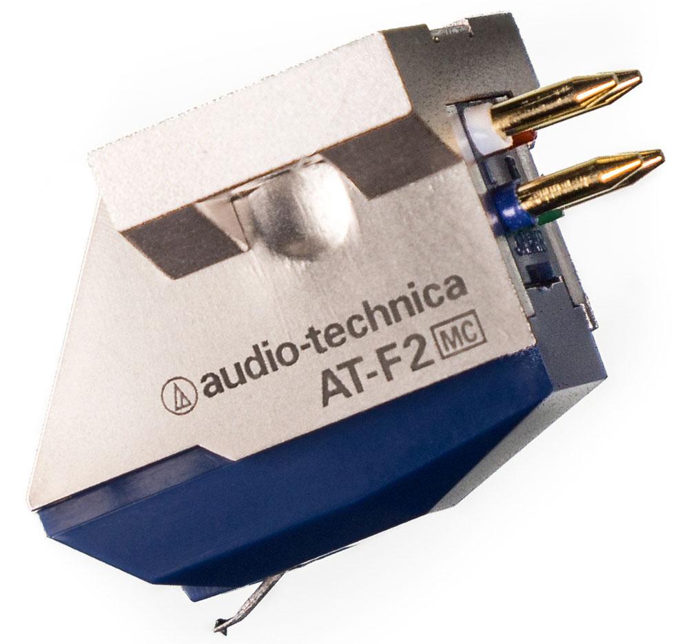 Audio-Technica AT-F2 головка звукоснимателя4961310127213Audio-Technica AT-F2 - высококлассный MC-звукосниматель с комбинированной конструкцией. Его основа выполнена с прецизионной точностью из алюминия, а основной корпус отлит из твердой смолы. Сочетание этих двух материалов позволяет практически полностью устранить паразитные резонансы и вибрации, и получить детализированный и прозрачный звук во всем диапазоне рабочих частот. Магнитная система Audio-Technica AT-F2 имеет перевернутую V-конструкцию с двумя катушками для левого и правого каналов, обладающую сниженной массой, что выразилось в уменьшении давления иглы на пластинку. Подобное техническое решение позволило также улучшить разделение стереоканалов, то есть сделать звуковую картину более натуральной и точной. Звукосниматель оснащен эллиптической алмазной иглой, изготовленной с высокой точностью в Японии, и зафиксированной в легкой и жесткой тонкостенной трубке из алюминия. В модели AT-F2 применены высокоэффективные неодимовые магниты,...