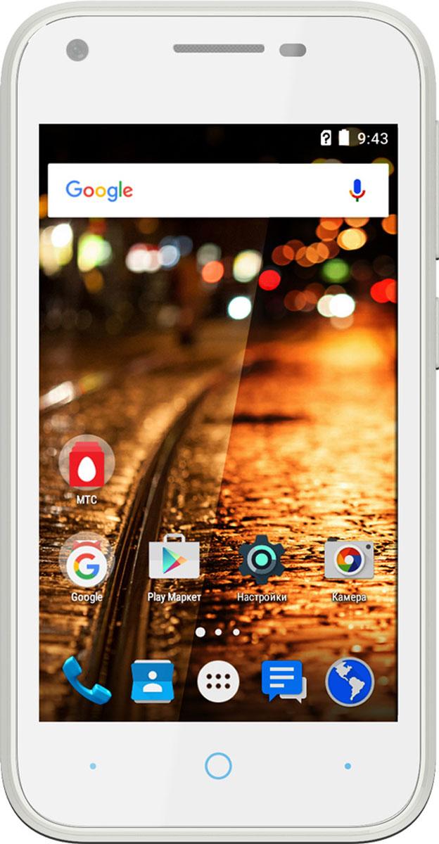 МТС Smart Start 3, White (только для SIM-карт МТС)A0104-100668МТС Smart Start 3 отлично подойдет в качестве первого смартфона или аппарата для звонков и серфинга в интернете. Компактный корпус, позволяет ему поместиться в любой карман и удобно лежать в руке любого размера. Благоприятно на карман повлияет и низкая цена. Современная операционная система Android 5.1 Lollipop с фирменной оболочкой МТС Start, процессор Spreadtrum SC7731 и 512 Мб оперативной памяти, обеспечивают комфортную производительность при выполнении повседневных задач. Смартфон работает в сетях 3G, но для более быстрого доступа в интернет, можно использовать точку доступа Wi-Fi. Беспроводные колонки или наушники, подключаются по Bluetooth, который имеет версию 2.1. С его помощью, также, можно передавать файлы на другие гаджеты. Встроенные плеер, FM-радио и интернет-браузер не дадут заскучать в дороге. Плюсом является и наличие гарнитуры в комплекте, которую не часто найдешь в коробке с аппаратами начального уровня. МТС Smart Start 3 оснащен дисплеем с...