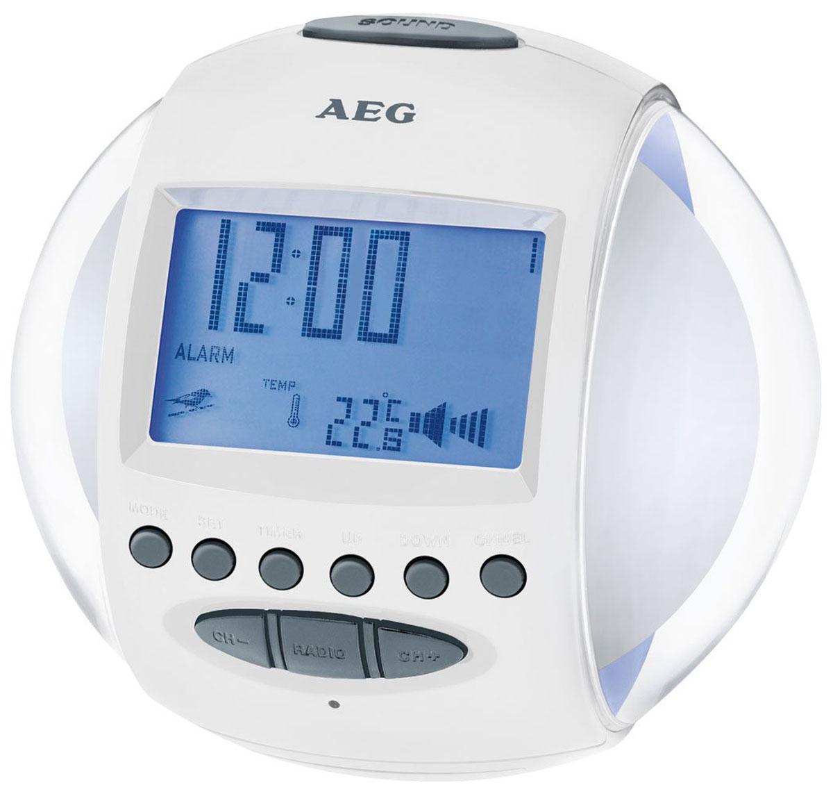 AEG MRC 4117, White радиочасыMRC 4117 weissFM –радиочасы AEG MRC 4117 со звуками природы и мелодиями, а также сменной подсветкой из 7 различных цветов, индикацией даты и температуры, настройкой громкости и таймером обратного отсчета непременно займут достойное место в интерьере вашего дома. FM-радиоприемник с 4 ячейками для запоминания радиостанций Дипольная антенна, цифровая индикация частоты 2 будильника (3 возможности включения 1, 2 или 1+2) Сигнал будильника: радио, звуки природы, мелодия в сочетании со сменной подсветкой 6 звуков природы и 5 мелодий по выбору, режим повтора сигнала будильника Спящий режим (5-60 минут)