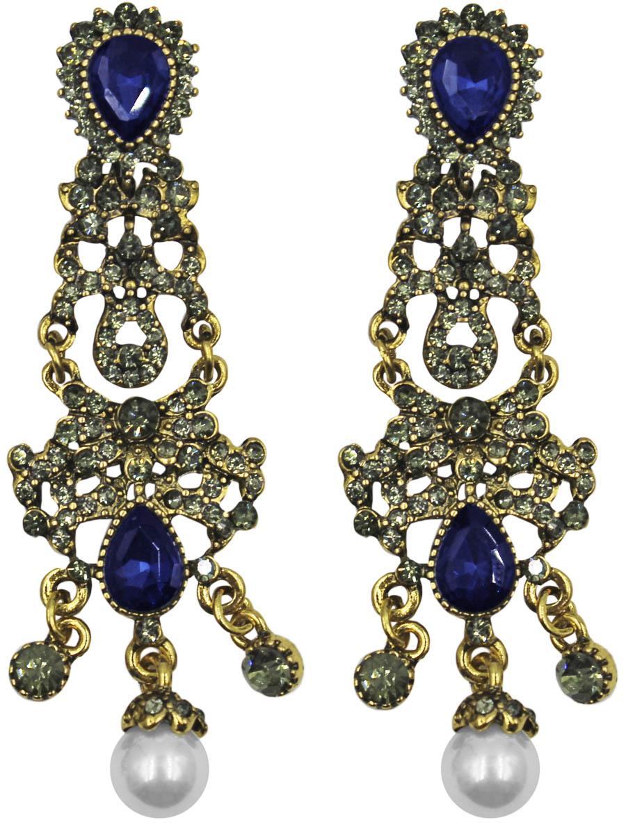 Серьги Taya, цвет: золото, темно-синий. T-B-11272-EARR-GL.D.BLUET-B-11272-EARR-GL.D.BLUEСерьги с английским замком изготовлены из гипоаллергенного бижутерного сплава. Крупные, грациозные серьги состоят из пластины с винтажным узором и небольших капель. Каждая капелька украшена эффектным камнем или жемчужиной.
