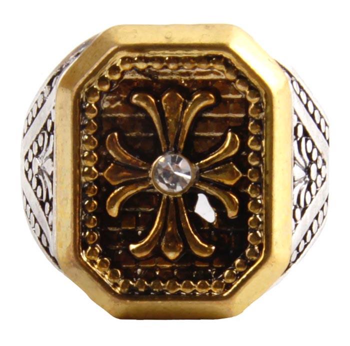 Мужское кольцо. Бижутерный сплав, австрийские кристаллы. Конец XX векаОС27520Мужское кольцо. Бижутерный сплав, австрийские кристаллы. Конец ХХ века. Размер 20. Сохранность хорошая. Предмет не был в использовании. Представленное вашему вниманию изделие отличается высоким уровнем мастерства исполнения, оригинальным авторским дизайном.