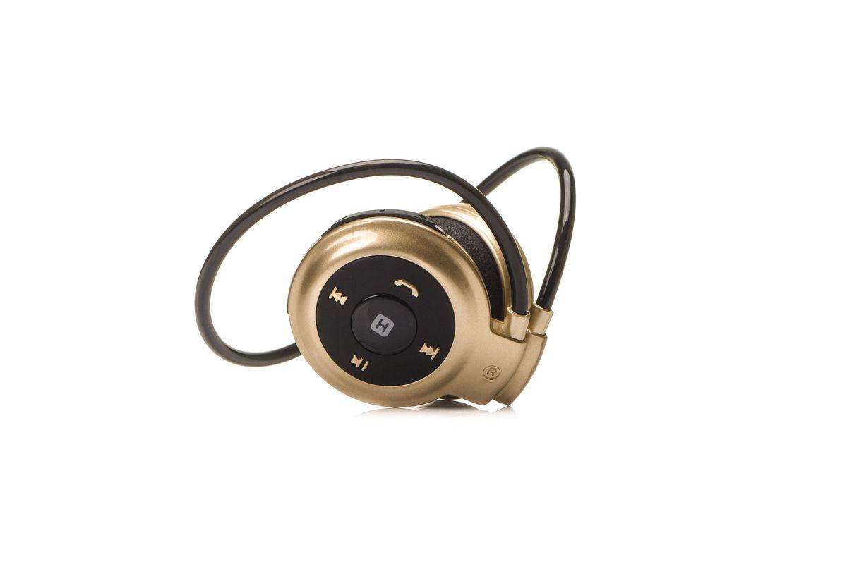 Harper HB-101, Gold наушникиH00001032Версия bluetooth - 3.0 Возможность синхронизации с телефонами и компьютерами, колонками и другими устройствами с функцией Bluetooth Радиус действия -10 метров. Время работы в режиме ожидания - до 250 часов. Время работы в режиме прослушивания музыки / разговора по телефону - до 10 часов. Время зарядки - 4 часа. Потребляемый ток - DC 5 В. Рабочее напряжение - 3.7 В. Емкость батареи – 320мАч. Чувствительность - 80 дБ. Сопротивление: 32 Oм. Частотный диапазон – 20 Гц~20 кГц