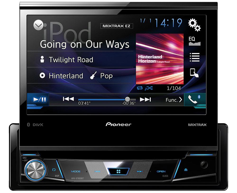 Pioneer AVH-X7800BT мультимедийная система1024284Pioneer AVH-X7800BT - мультимедийная система с 7 выдвижным экраном Clear Type, Bluetooth, USB, AUX и встроенным звуковым процессором. За считанные секунды модель размера 1-DIN превращается в комплексную 7-дюймовую автомобильную развлекательную систему. Разложите большой сенсорный экран и подключите к мультимедийному проигрывателю совместимый iPhone или телефон на базе Android по одному USB-кабелю, чтобы удобно и безопасно управлять поддерживаемыми приложениями с приборной панели. Поддерживается воспроизведение музыки и видео с компакт- и DVD-дисков, а также USB-устройств. Pioneer AVH-X7800BT поддерживает Bluetooth 3.0, что позволяет прослушивать музыку или совершать звонки по беспроводному подключению. Благодаря использованию технологии Sound Retriever для Bluetooth достигается высокое качество звучания при беспроводном подключении. Широкие возможности высококачественного воспроизведения музыки, включая 13-полосный графический ...
