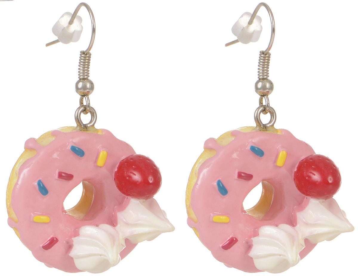 Серьги Kawaii Factory Пончики, цвет: розовый. KW092-000144KW092-000144Милые серьги Пончики от Kawaii Factory помогут разнообразить серые будни и непременно поднимут настроение! Серьги выполнены из полимерной глины и снабжены удобными замочками-петлями. Небольшой размер позволяет сочетать их с другими украшениями, а яркий цвет и оригинальный дизайн выделят своего обладателя из толпы и привлекут внимание. При взгляде на такое украшение сразу появляется аппетит и утренний заряд бодрости.