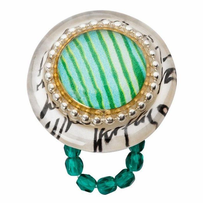 Кольцо Lalo Treasures G&G, цвет: светло-бирюзовый, бежевый. R6987mR6987mИзысканное кольцо оригинального дизайна Lalo Treasures изготовлено из ювелирной смолы ярких цветов. Скругленные углы элемента идеально подходят для нежных женских пальцев - изящество и сама элегантность. Очень винтажно смотрится на руке. Кольцо Lalo подчеркнет вашу утонченность и изысканный вкус. Изделие регулируется по размеру.