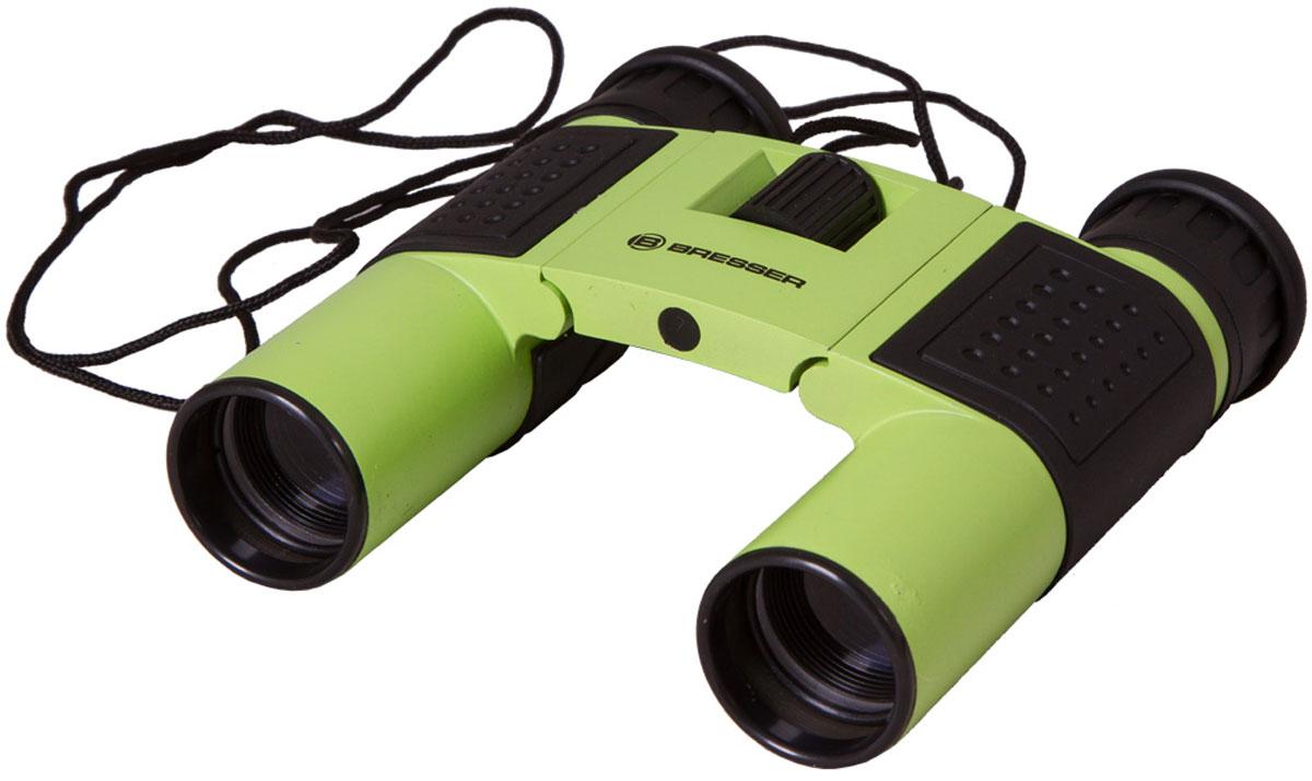 Bresser Topas 10x25, Green бинокль8911027B4K000Компактный бинокль Bresser Topas 10x25 для туристов, путешественников и натуралистов. Это гармоничное сочетание удобства использования, надежности конструкции и высоких оптических характеристик. Лучше всего этот миниатюрный бинокль проявит себя при дневных наблюдениях: изучении птиц, просмотре спортивных мероприятий, исследовании дикой природы. Благодаря металлическому корпусу он переживет любые дорожные потрясения. Бинокль Bresser Topas 10x25 обеспечит получение качественной и высококонтрастной картинки, правильно передаст цвета и позволит рассмотреть удаленные предметы в мельчайших деталях. Все оптические элементы изготовлены из стекла, а внешние линзы имеют полное просветление. Чтобы сделать картинку максимально четкой, вы можете откорректировать диоптрии окуляров и точно настроить фокус. Можно отрегулировать межзрачковое расстояние, просто переместив оптические трубы. Боковые части бинокля имеют резиновые покрытие для удобства и надежности захвата.