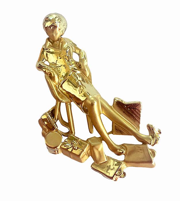 Винтажная брошь Шоппинг от AJC. Ювелирный сплав золотого тона. США, 1980-е годыНПО1608-24Винтажная брошь Шоппинг от AJC. Ювелирный сплав золотого тона. США, 1980-е годы. Размер броши 4 х 6,5 см. Сохранность отличная. Брошь маркирована AJC.
