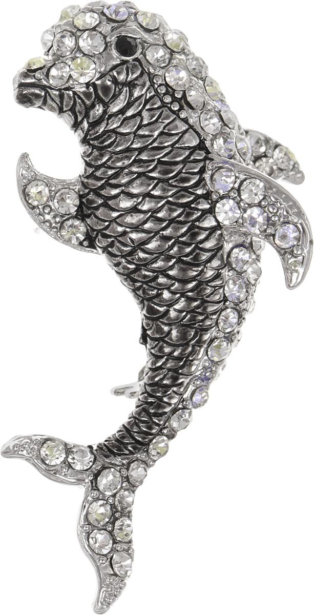 Брошь женская Fashion House, цвет: серебро. FH26751FH26751Брошь Fashion House выполнена из металла в форме дельфина и инкрустирована сверкающими стразами. Аксессуары с животными всегда смотрятся интересно и свежо. Прозрачные кристаллы в сочетании с интересной формой рождают эффектное украшение, которое подойдет для любого торжественного случая, когда надо добавить в образ немного блеска. Этот роскошный аксессуар сделает любую вашу вещь более яркой и элегантной.