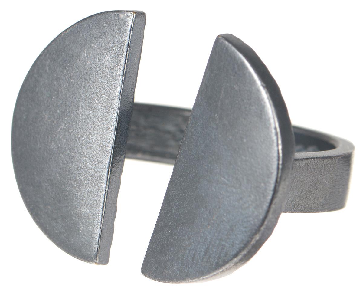 Кольцо Jenavi Mona. Васика, цвет: серый. k482o090. Размер 18k482o090Оригинальное кольцо от Jenavi Mona. Васика изготовлено из качественного металла с покрытием из черного оксида. Декоративная часть кольца представляет собой две половинки круга. Внутренняя сторона изделия оформлена тисненой надписью с названием бренда. Такое стильное кольцо сделает ваш образ интересным и подчеркнет вашу индивидуальность.