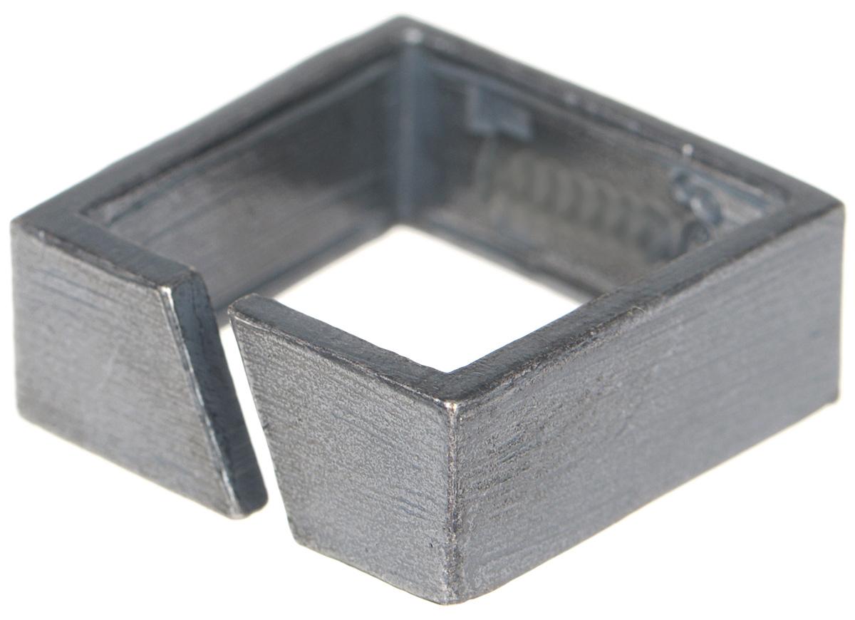 Кольцо Jenavi Mona. Граммор, цвет: серый. k481o090. Размер 19k481o090Оригинальное кольцо от Jenavi Mona. Граммор изготовлено из качественного металла с покрытием из черного оксида. Изделие выполнено в форме квадрата и дополнено тисненой надписью с названием бренда на внутренней стороне. Такое кольцо сделает ваш образ интересным и подчеркнет вашу индивидуальность.