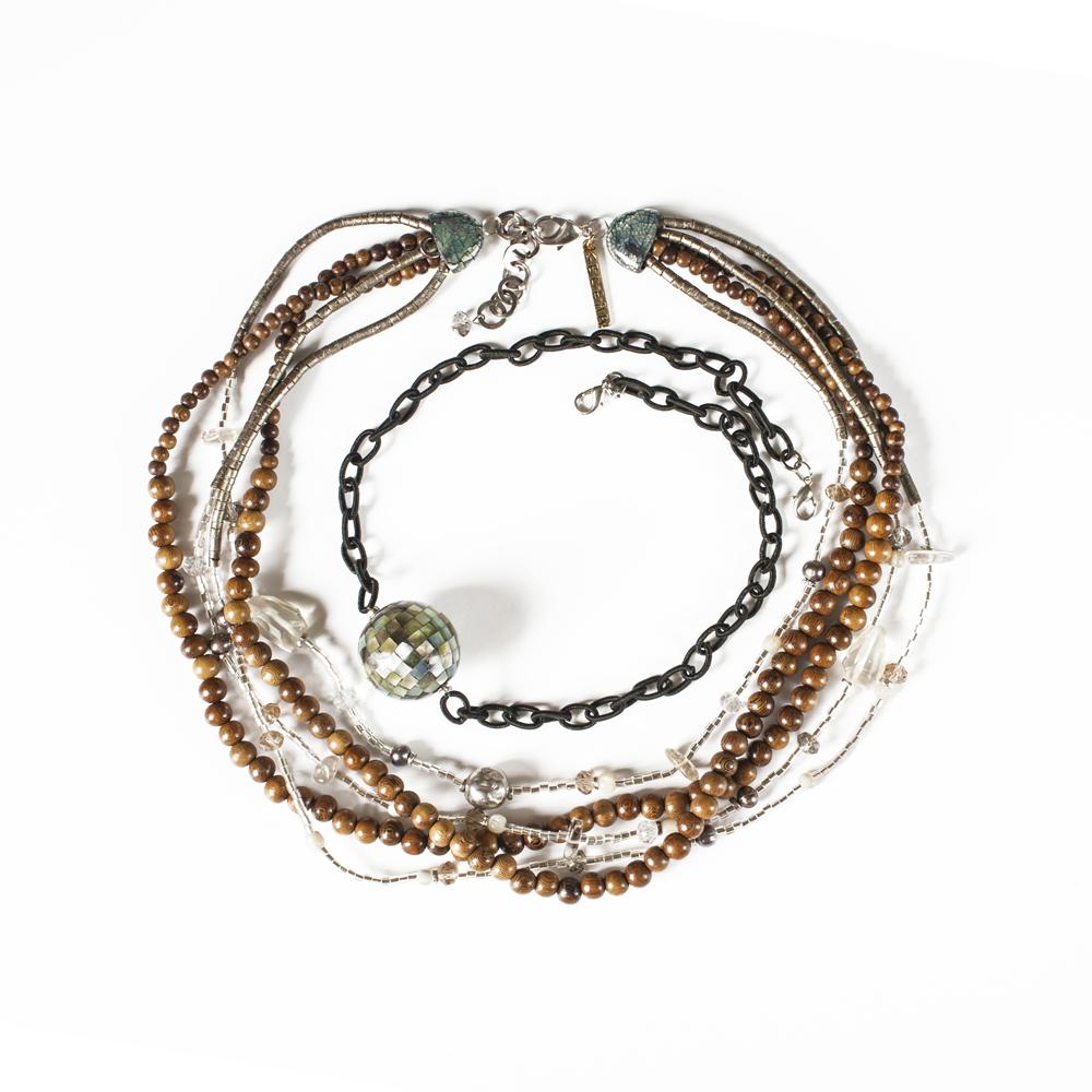Колье Selena Enigma, цвет: белый, коричневый, серый. 1009248110092481Пальмовое дерево, аметист, ювелирная смола, бисер, перламутр. Гальваническое покрытие: золото, длина колье 50-55 см ширина 4 см